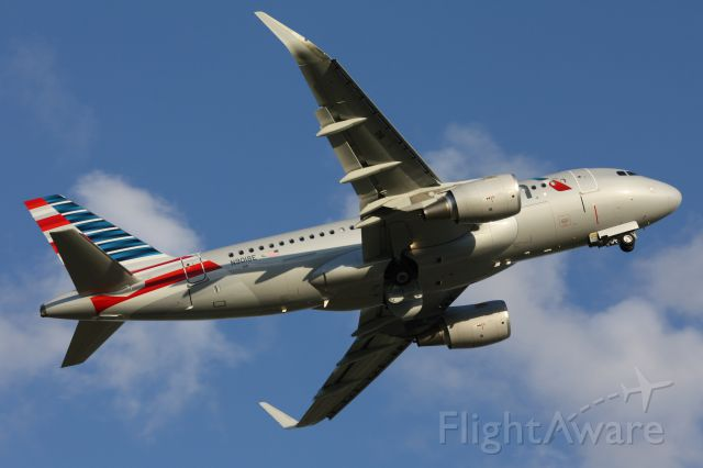 Airbus A319 (N9018E)