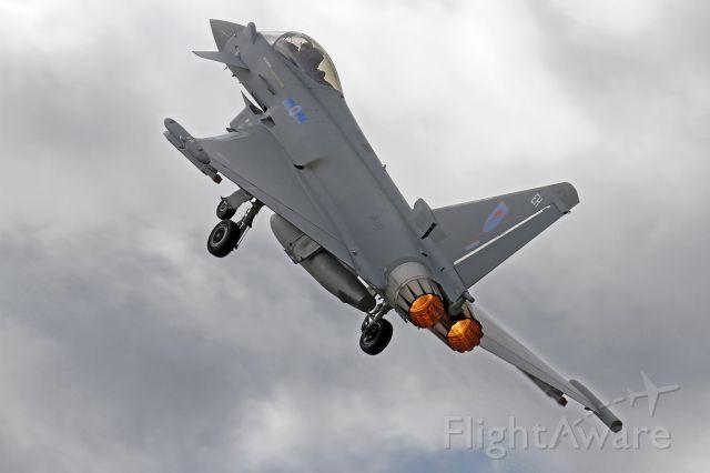 Beechcraft 1900 (GLA333) - RAF Eurofighter EF-2000 Typhoon FGR4 ZK333/EH [cn.BS094] Burning, with a powered takeoff at Farnborough Aerodrome.