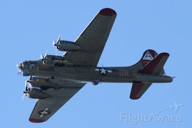Boeing B-17 Flying Fortress (N93012) - Over Mercer Island, WA