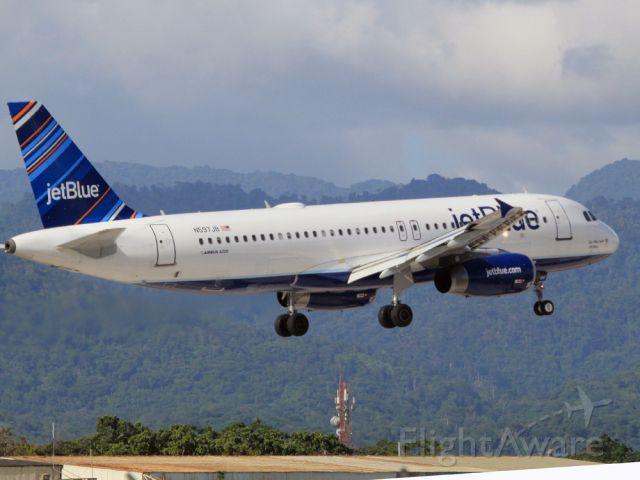 Airbus A320 (N597JB)