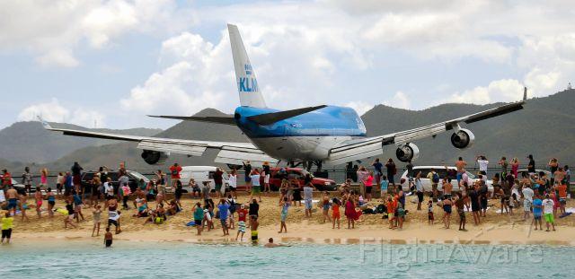 Boeing 747-400 — - KLM Landing at SXM