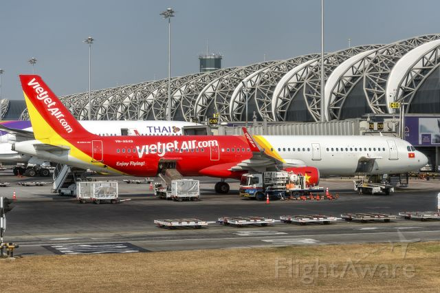 Airbus A321 (VNA649) - 8th Jan., 2020: Vietnam based low cost carrier, seen parked at the gate at Bangkok's Suvarnabhumi Airport. (See http://www.planexplorer.net/Xploregallery/displayimage.php?pid=1725 )
