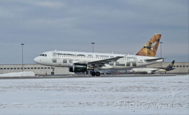 Airbus A319 (N953FR)