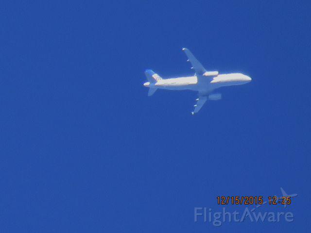 Airbus A320 (N465UA)
