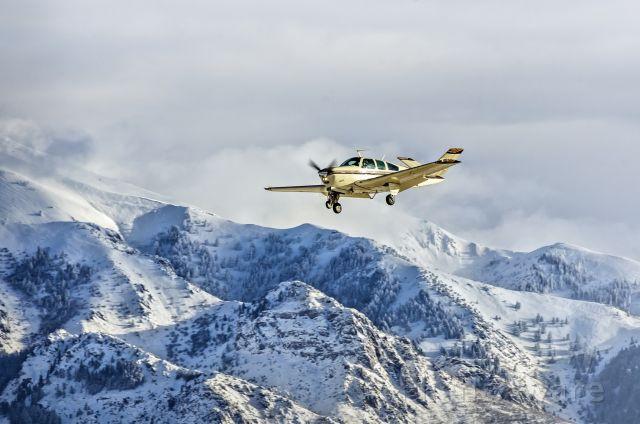 Beechcraft Bonanza (36) (N1852L) - Winter approach.