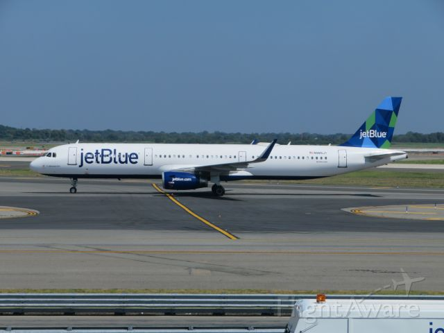 Airbus A321 (N985JT) - Here is a JetBlue Mint A321 taxiing for a departure to San Juan at New York JFK.