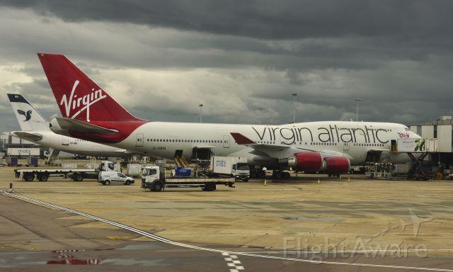 Boeing 747-400 (G-VBIG) - Virgin Atlantic Airways Boeing 747-4Q8 G-VBIG in Heathrow