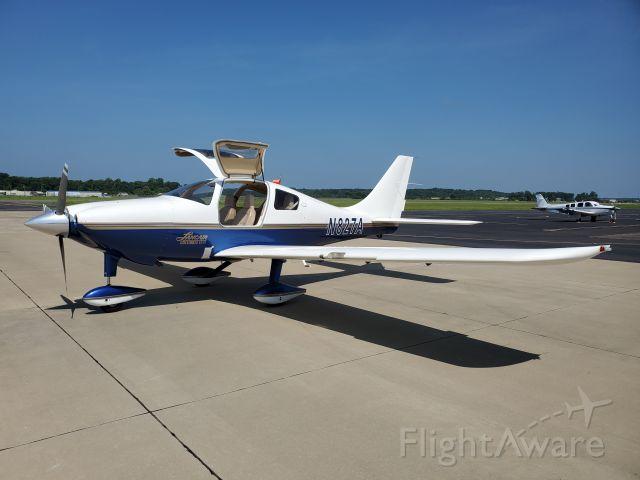 Cessna 350 (N827A)