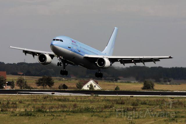Airbus A300F4-200 (TC-MNE) - 18/09/2004 – 14:45:13