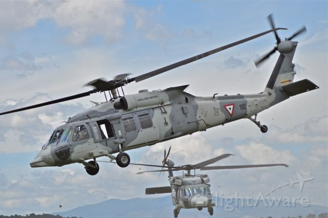 FAM1062 — - Mexican Air Force (FAM) UH-60M Black Hawk, FAM-1062 in tactical exercise over Santa Lucia AB.