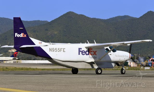 Cessna Caravan (N955FE)