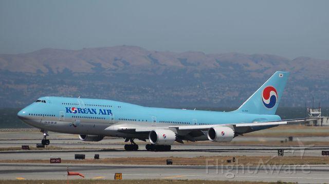 BOEING 747-8 (HL7631)