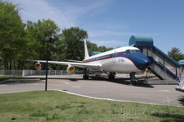 — — - Elvis Presley's Convair 880