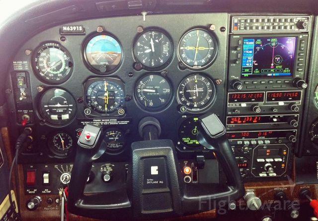 Cessna Skylane RG (N6391S)