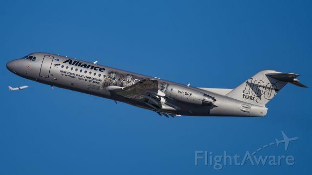 Fokker 70 (VH-QQW)