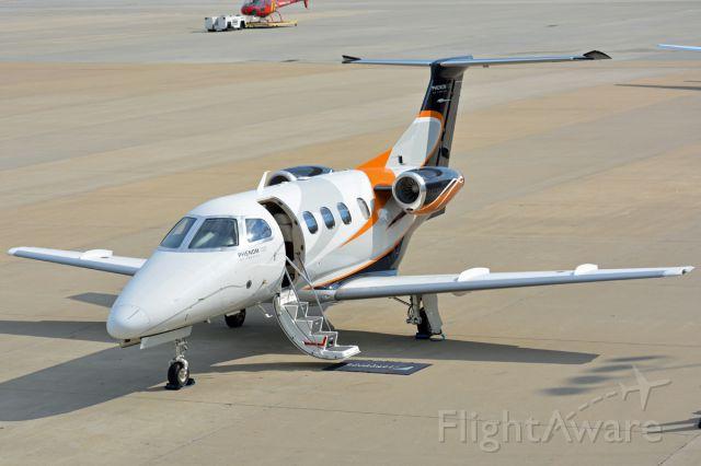 Embraer Phenom 100 (N100EQ)