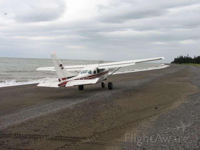 Cessna 206 Stationair (N4676U) - 76U dropping me off on the shores of the Cook Inlet about an hour south of Anchorage.