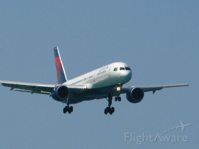 — — - Delta 757-200 landing at Sangster International Airport, Montego Bay, Jamaica