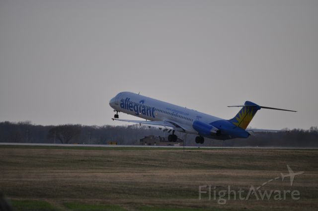 McDonnell Douglas MD-80 (N402NV) - AAY877 rotating off of RWY19 in Rockford, IL heading to Clearwater, FL