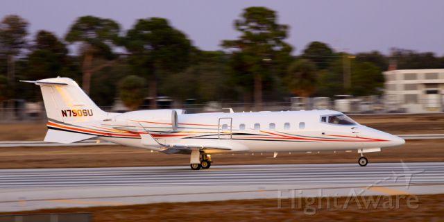 Learjet 60 (N790SU)
