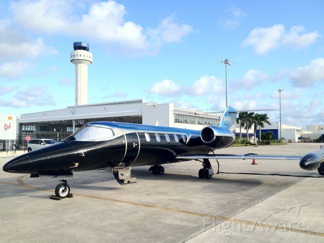 Learjet 35 (N469BB)