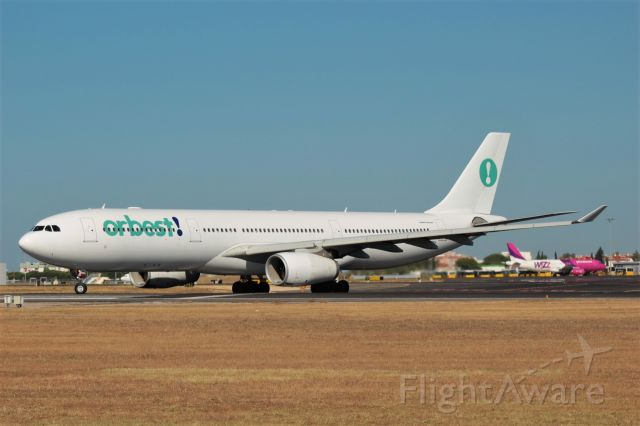 Airbus A330-300 (CS-TRH) - Aeroporto General Humberto Delgado - Lisbon     1-7-2017