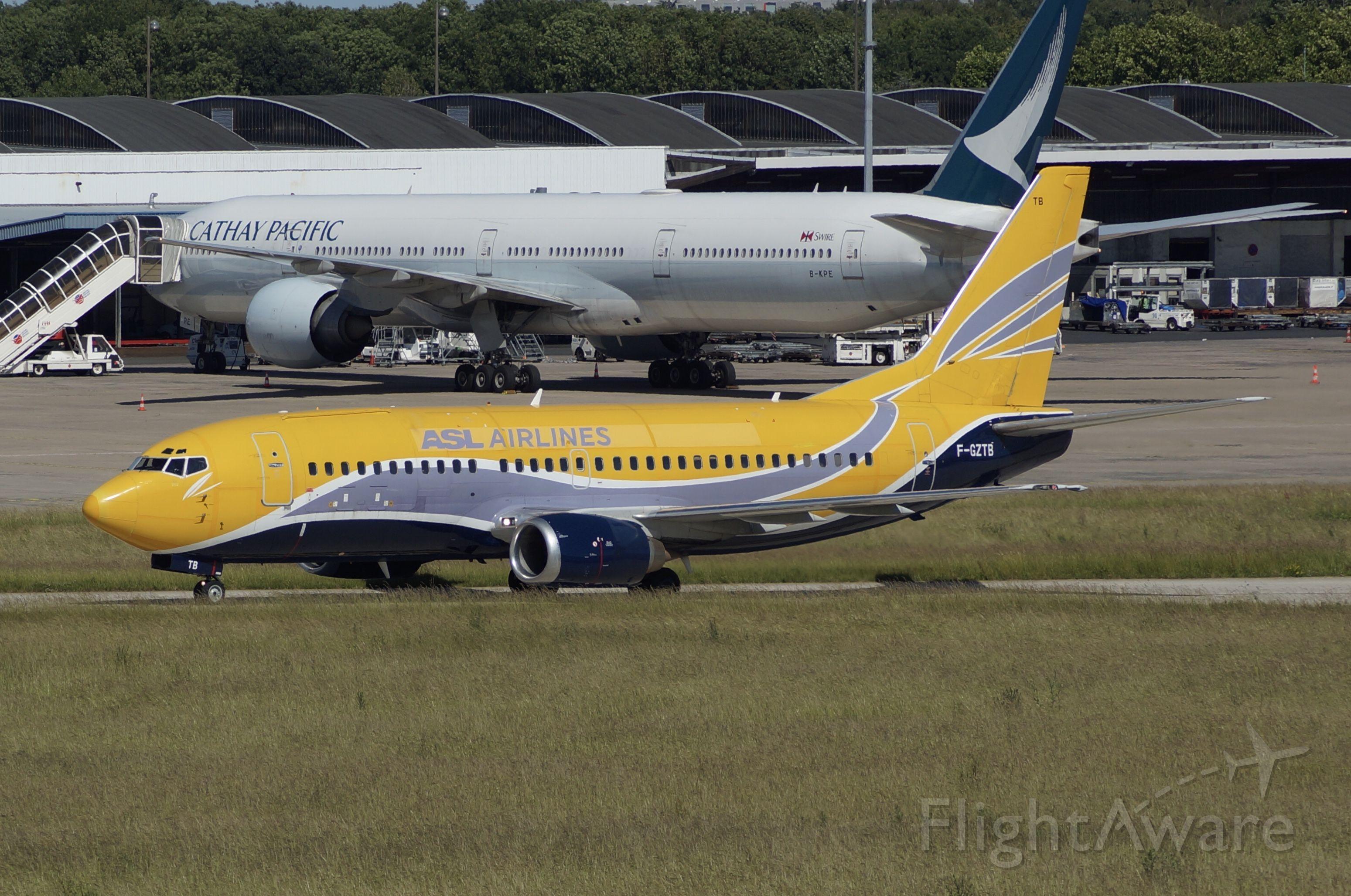 BOEING 737-300 (F-GZTB)