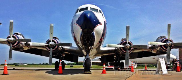 Douglas DC-7 —
