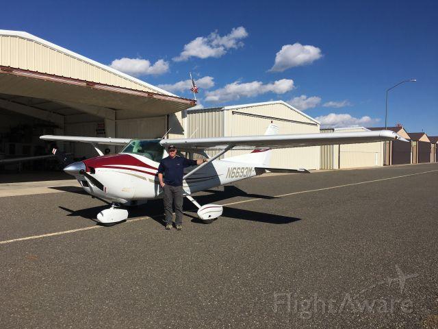 Cessna Skylane (N6693M)