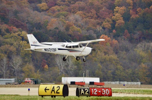 Cessna Skyhawk (N5213F) - Touch & Go 1st solo