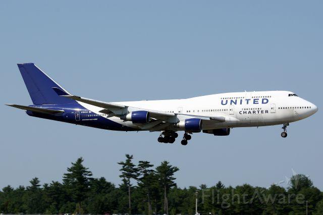 Boeing 747-400 (N194UA) - United Charter arriving at Pease