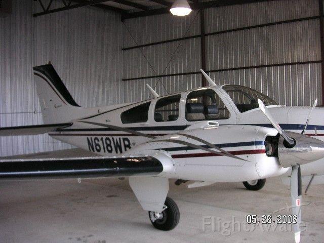 Beechcraft 55 Baron (N618WB)