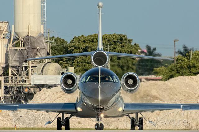 Dassault Falcon 7X (LX-MES) - Billionaire Roman Abramovich