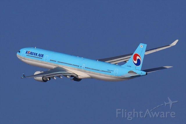 Airbus A330-300 (HL7550)