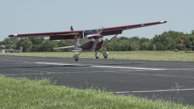 Cessna Skyhawk (N8138X) - Precision landing contest, in crosswind