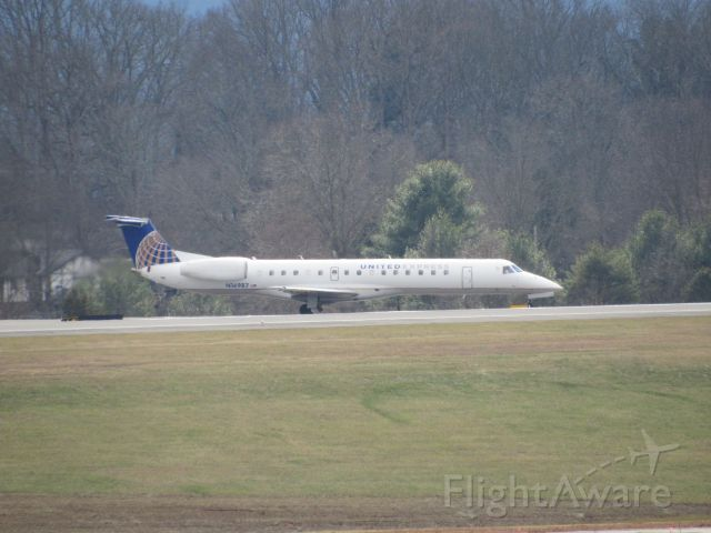 Embraer ERJ-145 (N16987) - About To Depart To IAH