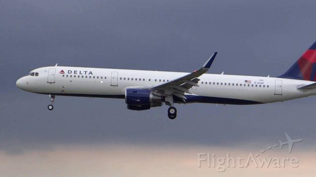 Airbus A321 (D-AYAP) - I took this photo 2 years ago from my trip to Alaska. Go delta