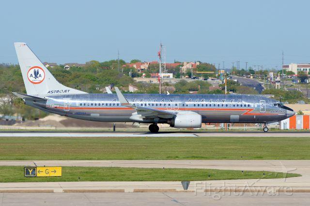 Boeing 737-800 (N951AA) - 12R departure.