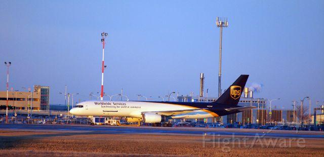 Boeing 757-200 (N455UP) - UPS B-757