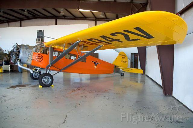 Beechcraft Duchess (N4942V) - Curtiss-Wright Travel Air A-6000-A