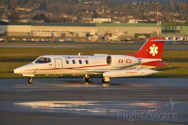 Learjet 35 (XA-ICU) - what a reg for an air ambulance