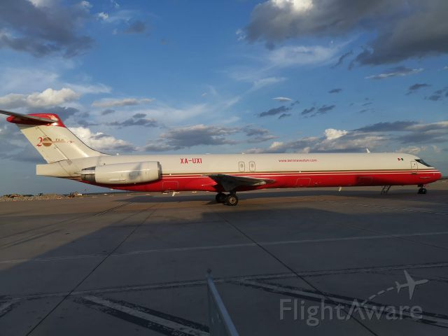 McDonnell Douglas MD-82 (XA-UXI) - At Laredo airport....
