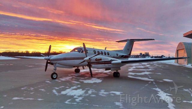 Beechcraft Super King Air 300 (N30HV)