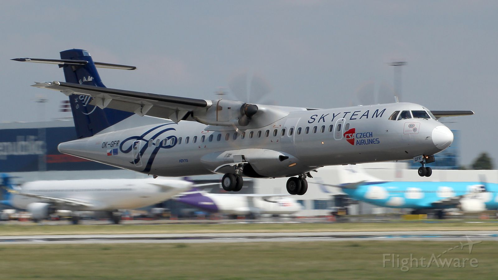 ATR ATR-72 (OK-GFR)