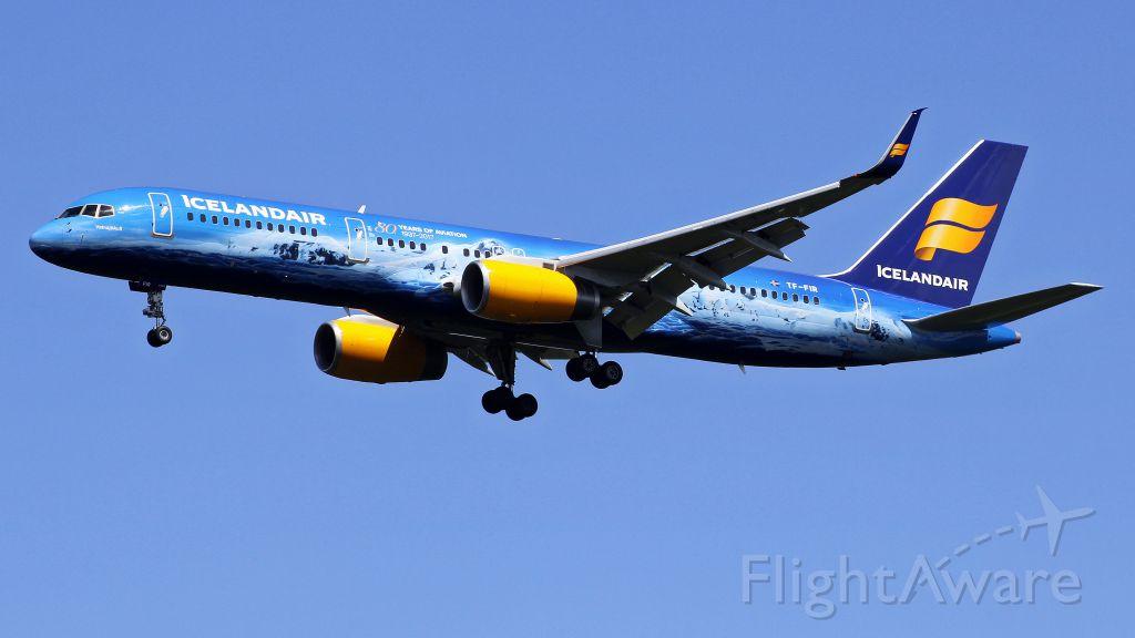 Boeing 757-200 (TF-FIR)
