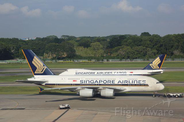 Airbus A380-800 (9V-SKB)