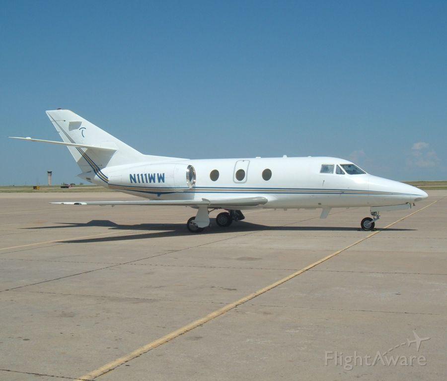 Dassault Falcon 10 (N111WW)