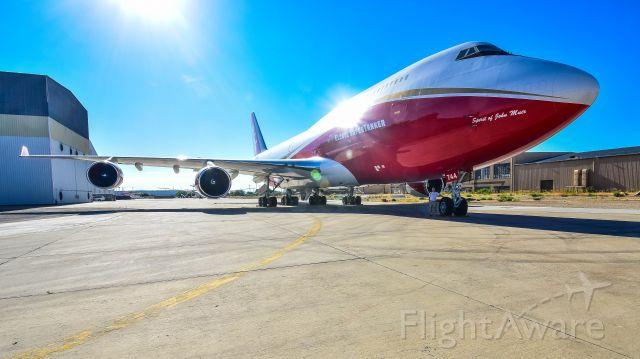 Boeing 747-200 (N744ST)