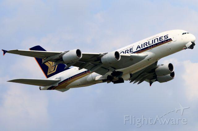 Airbus A380-800 (9V-SKI)