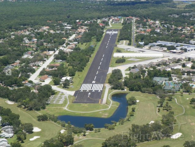Cessna Skyhawk — - 7FL6 Spruce Creek new runway opened today